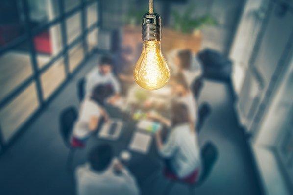 Data-driven business transformation blogs - Hubspot